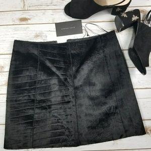 Zara woman black faux fur mini skirt